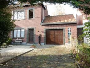 "Habitation bien située avec garage + jardin plein sud ! xmlns=""http://www.w3.org/1999/xhtml"" xml:lang=""en"" lang=""en""> Large habitation &agra"