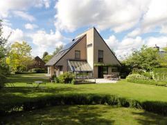 """QUARTIER TOP - SUPERBE VILLA xmlns=""""http://www.w3.org/1999/xhtml"""" xml:lang=""""en"""" lang=""""en""""> Cette superbe villa contemporaine de 2001 est idé"""