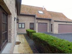 Caractéristiques Fermette de caractère sur 2050 m². RDC : grand living avec cheminée en pierre de France, cuisine équ