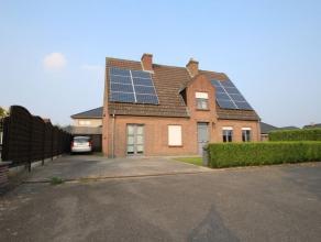 Très belle villa située dans un quartier résidentiel, au calme, à 9 minutes de Waregem et à 15 minutes de Courtrai.