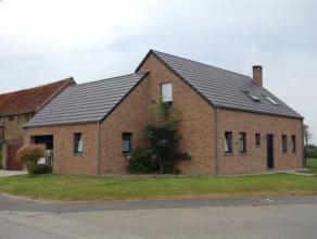 Excellente habitation construite en 2008, très lumineuse et agréable avec jardin et terrasse, composée d'un beau séjour de