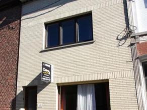 Maison d'habitation 2 façades et dépendances sur un terrain de 3ares90,  située dans une rue calme et proche de toutes commodit&e