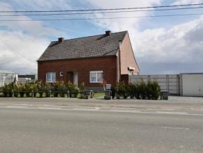 Sur la commune de Vaudignies, Charmante maison 4 façades sise sur un terrain de 7 ares et située non loin du centre de Chièvres.