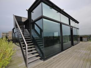 EEN PARELTJE! Uniek en exclusief penthouse getekend door Architecten Govaert en Vanhoutte. Deze Penthouse werd met hoogwaardige materialen afgewerkt e