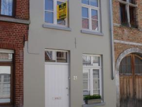 Prachtige, volledig gerenoveerd, gemeubeld huisje  in hartje Brugge.<br /> Het huis heeft in 2011 een volledige make-over ondergaan en straalt klasse