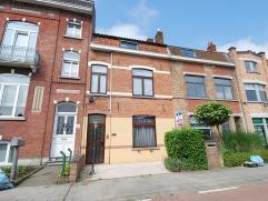 18 oktober open deur 14 h 16 Deze instapklare woning met zonnige tuin is voorzien van een ruime dubbele garage. De woning kan zowel dienen om te bewon