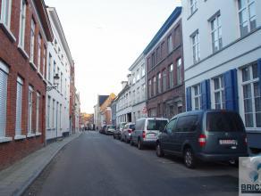 Ruime garagebox in de Beenhouwersstraat te Brugge. Vrij vanaf 15 februari 2016