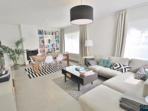 Ruime gezinswoning in rustige gezinsvriendelijke wijk! De woning omvat inkom met gastentoilet, gezellige woonkamer, open keuken, was berging, ruime be