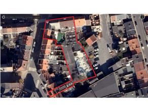 Dit geheel van percelen is gelegen in het centrum van Ledeberg. De grond heeft een oppervlakte van net geen 1.500 m² en biedt duidelijk mogelijkh