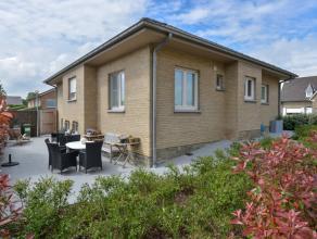 Van harte welkom op de Cake en kijkdag 01.10 van 11u00 tot 12u00!<br /> <br /> Deze villa op een oppervlakte van 450 m² werd grondig aangepakt en