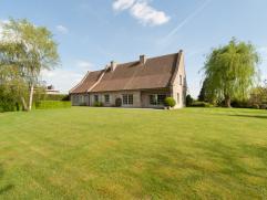 Deze prachtige villa met ca. 500m² bewoonbare oppervlakte is uitermate geschikt voor wie ruim en kwaliteitsvol wil wonen.  De woning beschikt on