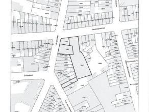 Dit geheel van percelen is gelegen in het centrum van Ledeberg en biedt een uitstekende verbinding naar het centrum van Gent. De grond heeft een opper