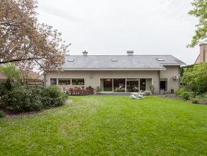 Deze ruime woning is de ideale thuis voor wie graag ruim en kwaliteitsvol wenst te wonen. De woonst heeft tal van mogelijkheden en onderging recent gr