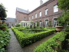 Unieke, prachtige eigendom in hartje Roeselare. Voormalig klooster, op heden volledig gerenoveerd en getransformeerd naar woonst, zonder afbreuk te d