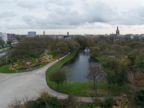 Dit erg zonnig appartement met 3 ruime slaapkamers heeft een prachtig open zicht op het Leopoldpark temidden het centrum van Oostende! Oppervlakte: +/