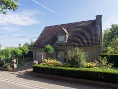 Deze villa in het centrum van Oudenaarde ligt in een rustige straat aan de haven,  met zicht op de boten. Op wandelafstand van de markt, de winkels, s