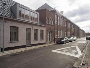 Deze nieuwbouwwoning (verkoop onder registratierechten), gelegen in het centrum van Wingene op 265m² met uitweg en ruime parking (mogelijkheid cr