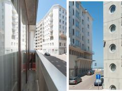 Dit geriefelijk appartement is gelegen op enkele looppassen van de zeedijk te Mariakerke. Het appartement bevindt zich in een verzorgde staat. Het bes