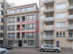 Dit 2 slaapkamer appartement is gelegen te Mariakerke op een steenworp van de zeedijk en wandelafstand van openbaar vervoer en handelszaken.  Het ap