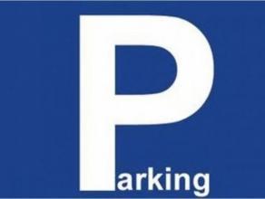 Autostaanplaats in het centrum van Brugge nabij het Astridpark en de markt. Vlot in- en uitrijbaar.  - Huurprijs: € 75,00