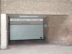 Veilige box gelegen in het centrum van Oostende - Christinastraat. De box is makkelijk bereikbaar en ligt op de derde verdieping.