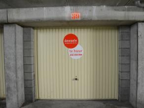 Ondergrondse garagebox (nr.5) met plaats voor 1 wagen.  Lengte: 5,30 m Hoogte: 1,90 m Breedte poort: 2,20 m  - Huurprijs: € 102,00