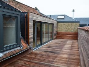 Prachtig dakappartement met 2slpkrs en magnifiek terras met zicht op de 3 Brugse torens. Het appartement werd voorzien van een prachtige hoogkant par