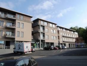 """Ruim en kwalitatief appartement in residentie """"Prinsenhof"""" gelegen op het eerste verdiep. Alles voorzien qua comfort! Garage staanplaats met afgeslote"""