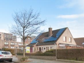 Deze instapklare woning op 383m² is gelegen in een rustige straat te Raversijde en beschikt over 4 slaapkamers, vernieuwde badkamer, keuken, uitb