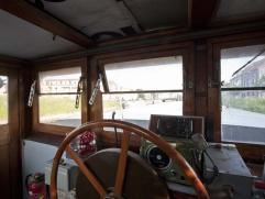 Deze unieke woonboot biedt u een zeer aparte en bijzondere woonervaring.  De boot heeft een totale bewoonbare oppervlakte van 350 m², verdeeld