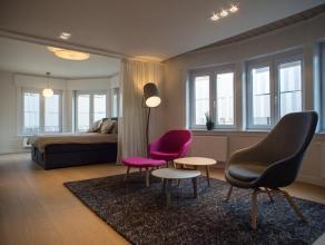 Volledig vernieuwde instapklare woning met handelsgelijkvloers/bureelruimte, dubbele garage in het centrum van Roeselare.  * ruime WOONST --> 1e