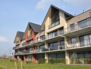 Lichtrijk appartement gelegen op een boogscheut van Brugge in een rustige omgeving. Het appartement beschikt over 2 slaapkamers, een ruim terras en e