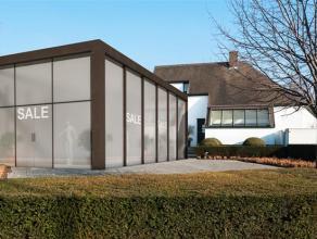 Commercieel gebouw in het Mammoetcenter van Roeselare.  Grondoppervlakte: ca. 1.654m² Bebouwde oppervlakte: ca. 749m²  Specificaties: