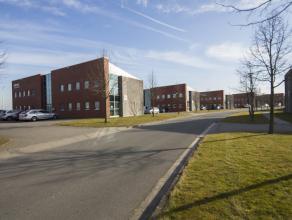 Recent en hedendaags functioneel kantoorgebouw met flexibele indeling. Bijzondere uitstraling en commerciële look voor een bruto oppervlakte van