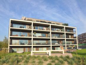 Recent appartement op een prachtige ligging aan de Damse Vaart met 2 slaapkamers.  INDELING: (3°V) Inkom met toilet - lichtrijke, ruime woonkam