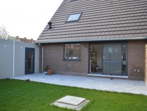 Recent gelijkvloersappartement met 2 slaapkamers, tuin en garage! Appartement gelegen in nieuwbouwresidentie 'Tramstatie' te Roeselare.  Het appart
