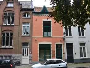 Gemeubeld triplex appartement (2°V) met 2 slaapkamers, rustig gelegen nabij het Koning Albert I park en op wandelafstand van het commerciële