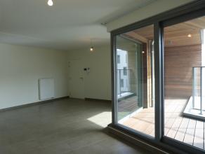 Dit appartement in het nieuwbouwproject 'Bellevuekaai' is gelegen vlakbij de viaduct in Gent. Dit appartement onderscheidt zich door zijn uitzonderlij