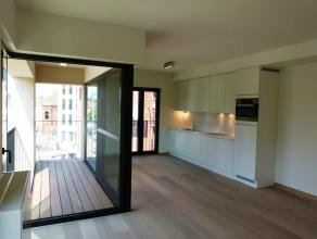 Langs de Sint Antoniuskaai en aan het sierlijke Sint Antoniushof ligt dit prachtige appartement in de nieuwbouwresidentie 'Lievehof'.    Indeling v
