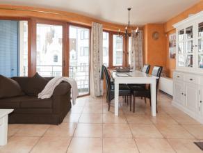 Dit recente 2 slaapkamer appartement is gelegen aan de achterzijde van de zeedijk (zonnekant) vlakbij het Klein Strand in Oostende en alle winkelstrat