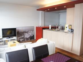 Prachtig gerenoveerd appartement met 1 slaapkamer gelegen in het hartje van Kortrijk. Samengesteld uit trendy en hedendaagse bouwmaterialen en voorzie