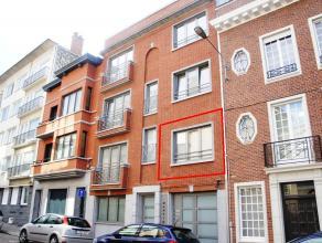 Volledig gerenoveerd appartement met 2 slaapkamers in het centrum van de stad. Achteraan het appartement is er een zuidgericht terras (6,5m²).