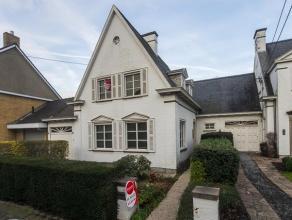 Authentieke villa met centrale ligging te Roeselare. Deze woning biedt tal van mogelijkheden (privé-gebruik, vrije beroepen in combinatie,...).