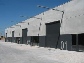 Moderne nieuwbouwatelier (opslagruimte) van ca. 324m² met vrije hoogte van 5,5m.  Specificaties: - elektrische sectionale poort 4mB x 4,4mH (m