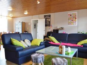 Gemeubeld appartement met 2 slaapkamers vlakbij centrum Roeselare!  Het appartement heeft volgende indeling:  inkom, leefruimte, slaapkamer 1, sla