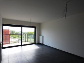 Dit appartement (87,3 m²) met een slaapkamer situeert zich in het nieuwbouwproject 'Blaisantpark'.  Omdat het appartement gelegen is op de vierd