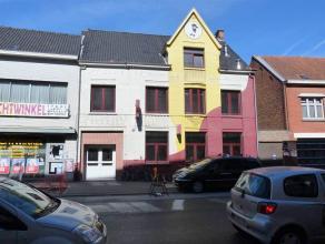 Voormalig jeugdcentrum/fuifzaal centraal gelegen in het centrum van Roeselare, kortbij de hoek van de Sint-Michielsstraat en de Motestraat op nauwelij