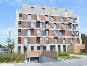"""Nieuwbouwappartement in residentie """"Tempeliershof""""  gelegen op het gelijkvloers. Huisdieren zijn niet toegelaten. Het appartement bestaat uit:  Geli"""