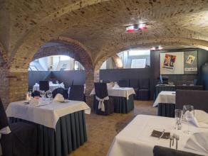 Overname handelsfonds van een restaurant-exploitatie in het volle centrum van Brugge op 150m van de Markt.  Indeling: Handelspand (niveau -1 maar m