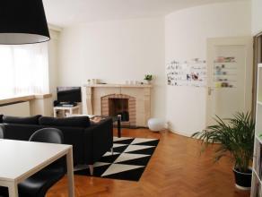 Ruim appartement (120m²) met 3 slaapkamers op 20 meter van de Grote Markt. Aansluitend aan de keuken is er een patio. Dankzij de gunstige ligging